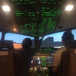 飛行機マニアはオプションを追加して体験