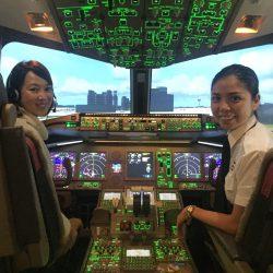 女性も飛行機体験